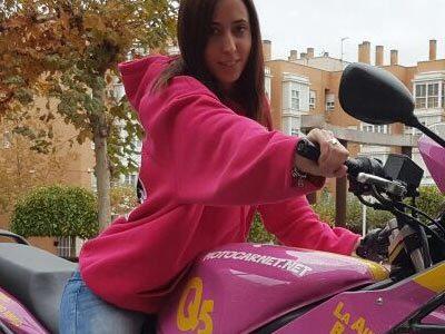 Esther de Motocarnet